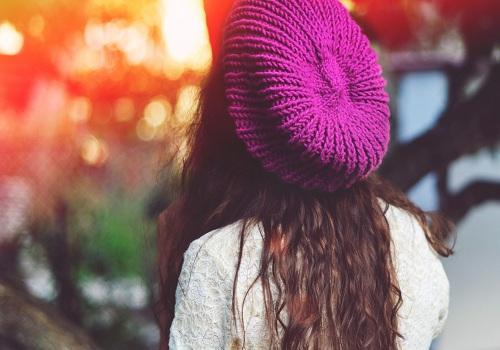 آواتار دخترانه با کلاه زیبا